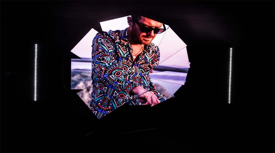 Revolucionarno iskustvo za sva čula koje nude Samsung i umjetnik Majkl Marfi otkriva novu perspektivu vizuelne zabave zahvaljujući nevjerovatno tankom Neo QLED televizoru