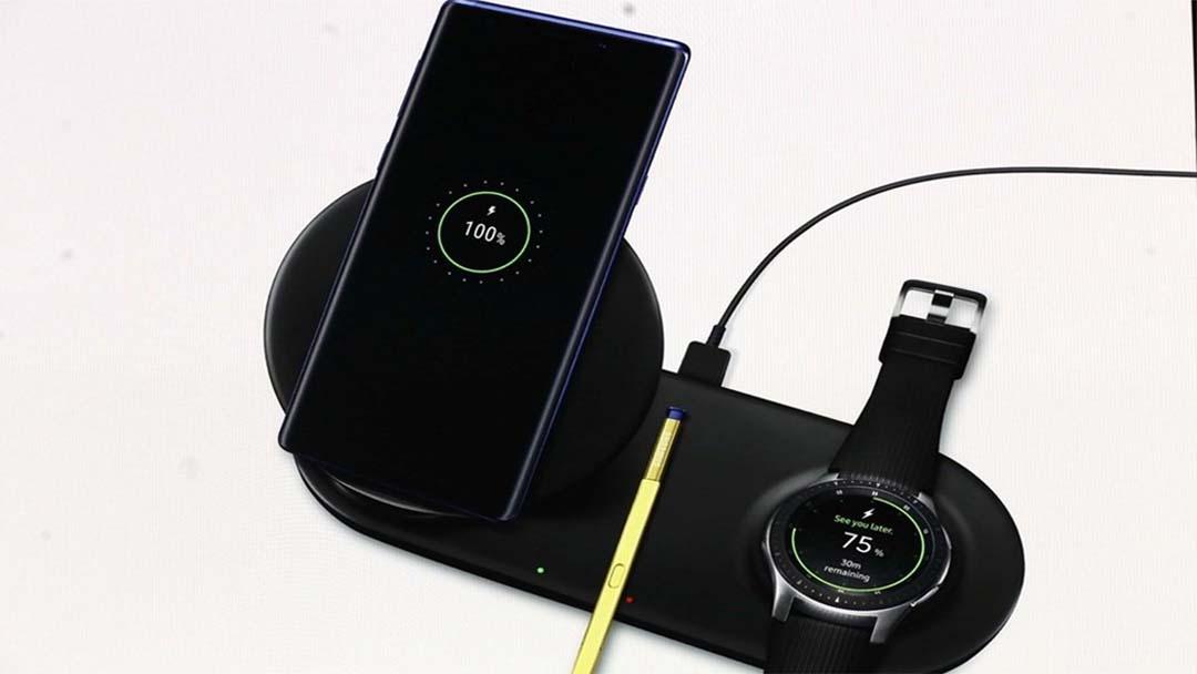 Samsung-ov bežični punjač Duo može napuniti vaš iPhone i AirPods